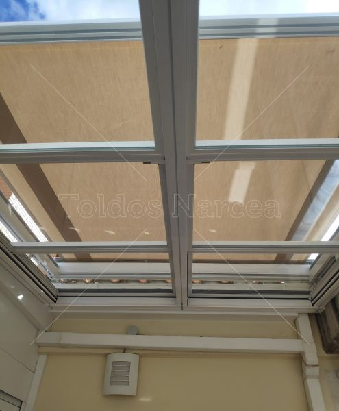 Foto de verandas instaladas por toldos narcea