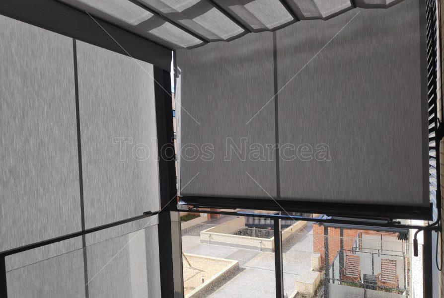 Foto de toldo de tipo cortavientos instalado por toldos narcea